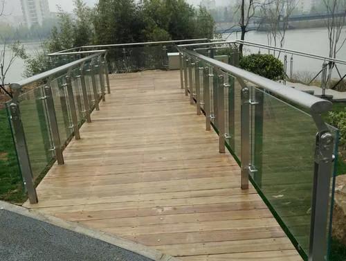 不锈钢平台扶手栏杆配件介绍