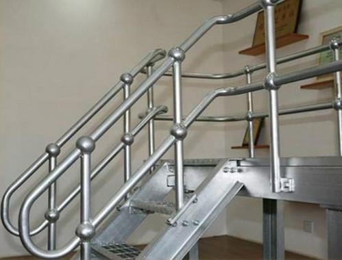 球形点立柱栏杆的产品用途