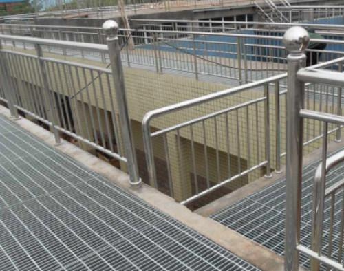 烟台平台扶手栏杆钢格板规格