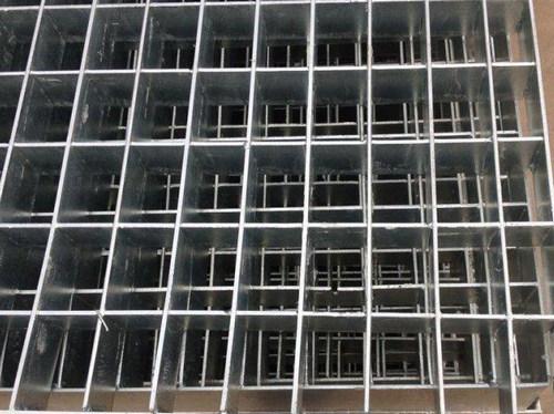 地面钢格板结构安装施工工艺